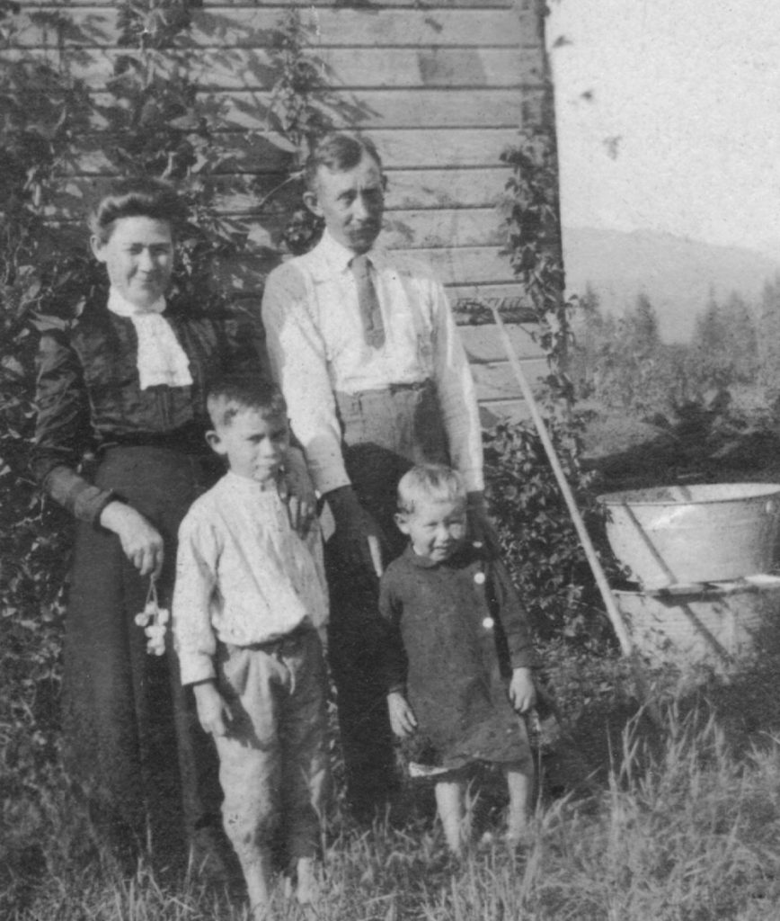George and Susan Greenwell with sons Bill and Bob in 1913
