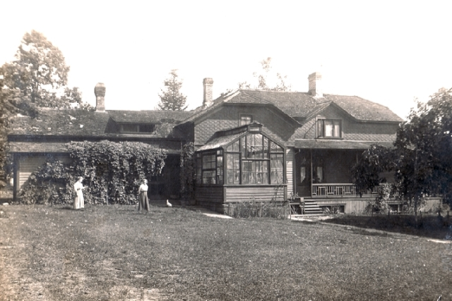 Home of the Gilchrist family - Kildonan Lodge - in about 1900.