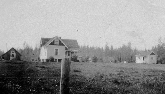 Katainen house and sauna in the 1920's.