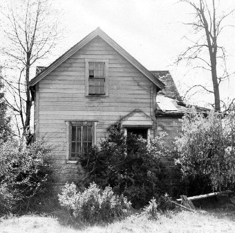 The Owen home in Albion in 1972.