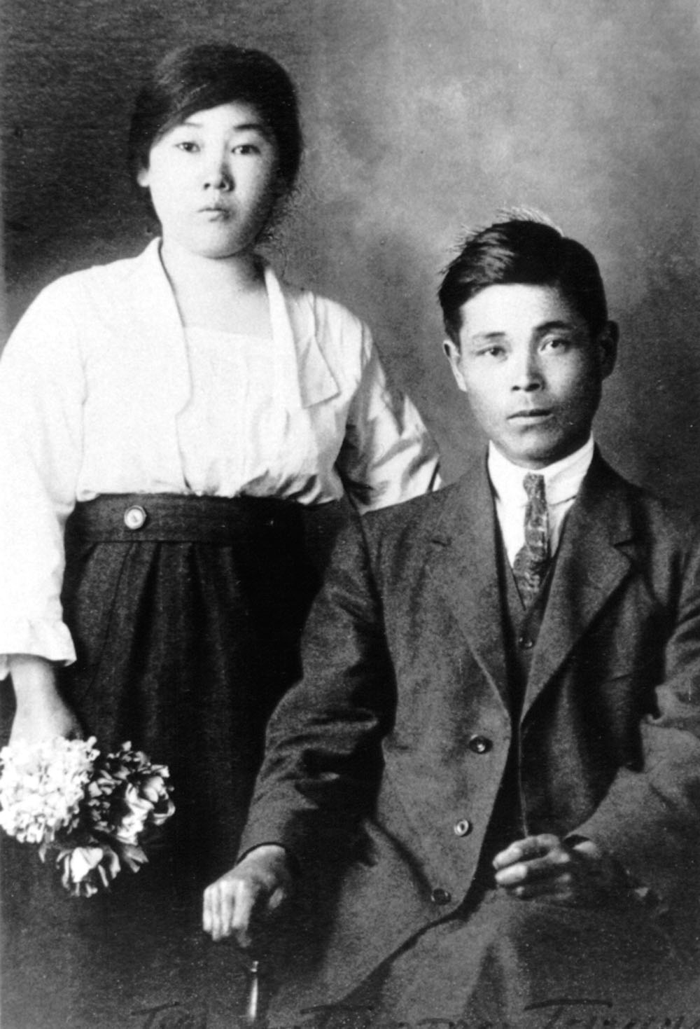 Wedding picture of Tokutaro and mail order bride, Tori circa 1922.